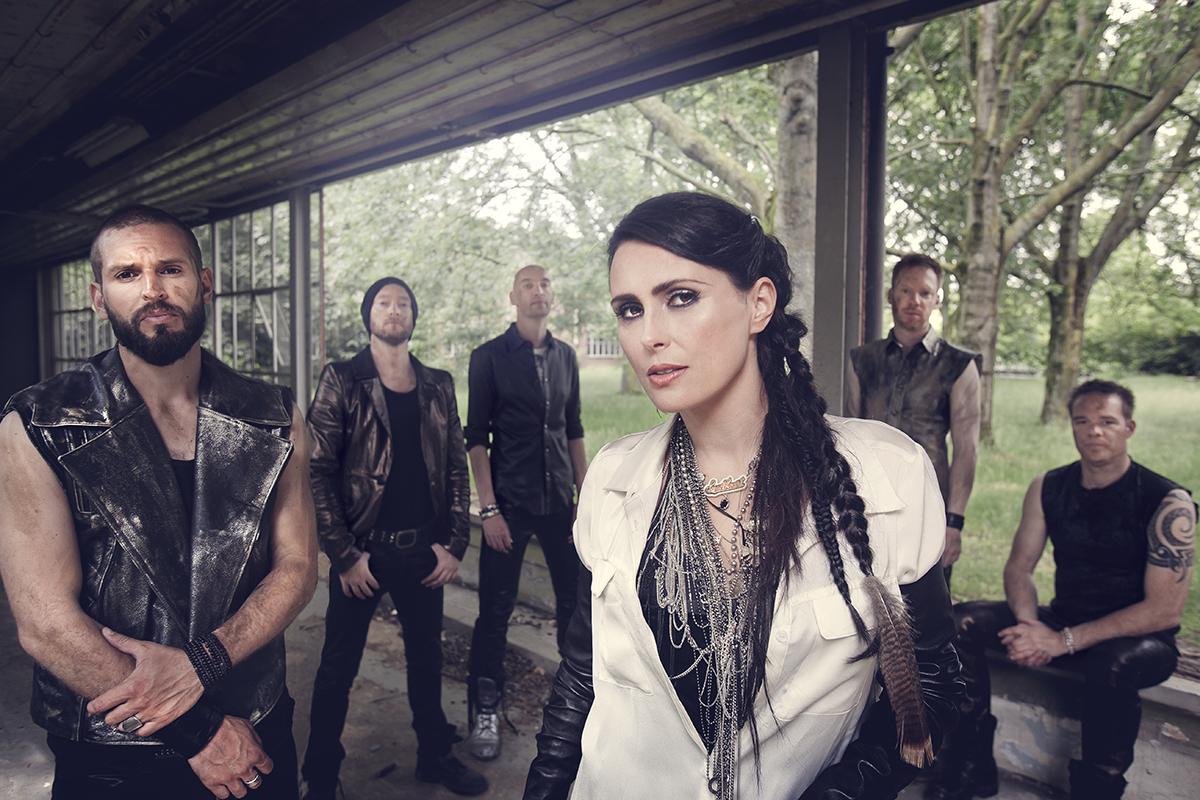 Within Temptation. Foto de Arjan Kremer. Fuente: www.doctormusic.com