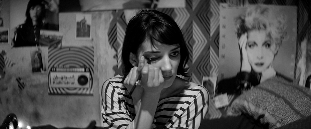 """A Girl Walks Home Alone at Night"". Fuente: www.sitgesfilmfestival.com"