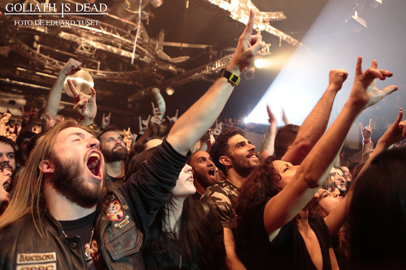 Amon Amarth crowd